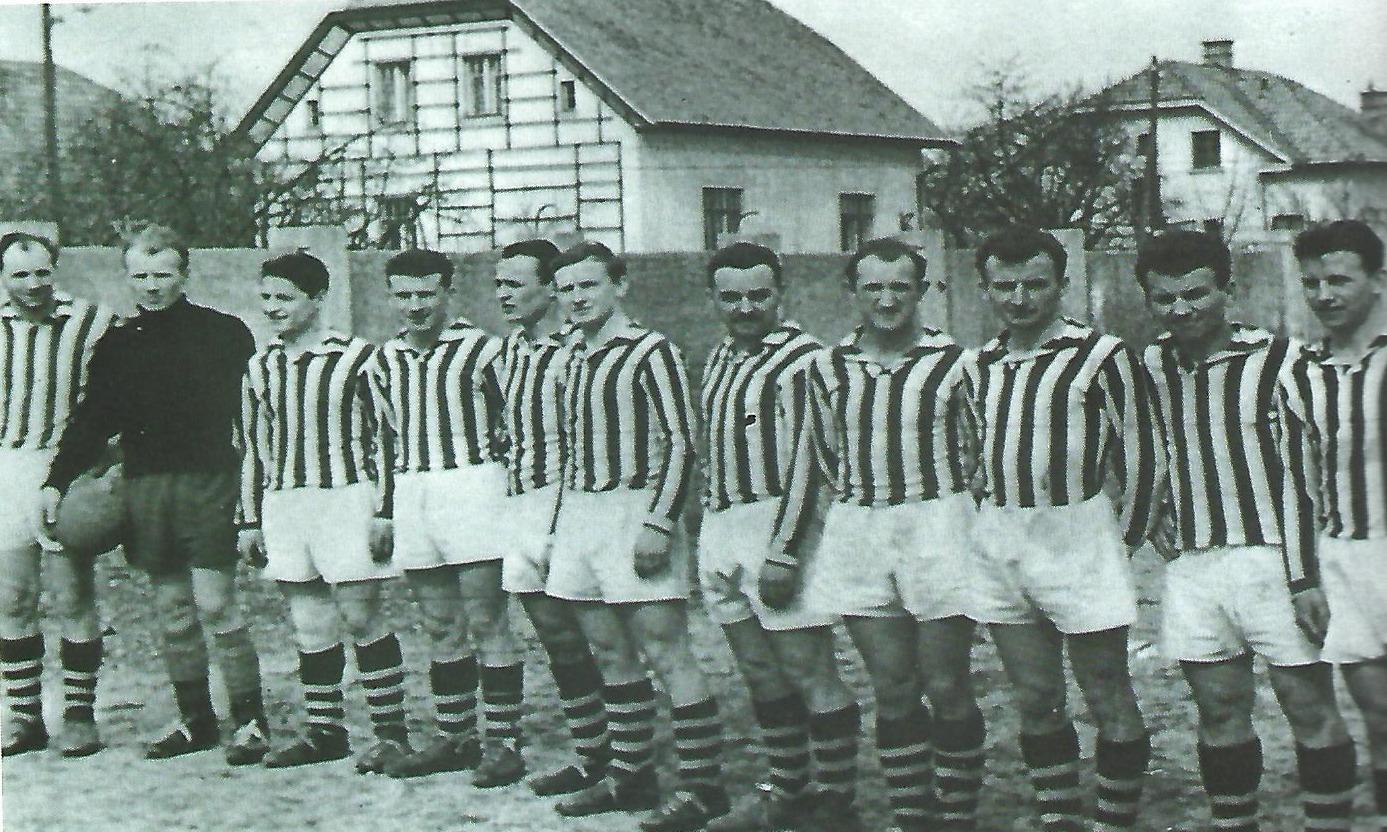 https://www.nd-slovan.si/wp-content/uploads/2021/01/ekipa-1955-photoutils.com_.jpeg